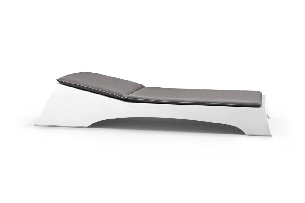 Quadra Chaise Longue em Branco Mate